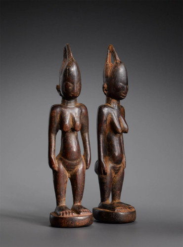 Wood Couple Statue